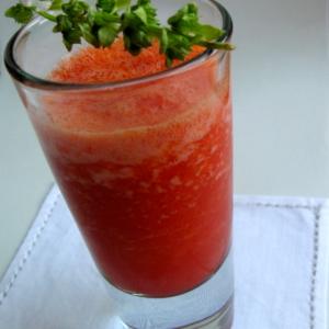 Receta para hacer gazpacho de sandía, receta fresca vegana y deliciosa.
