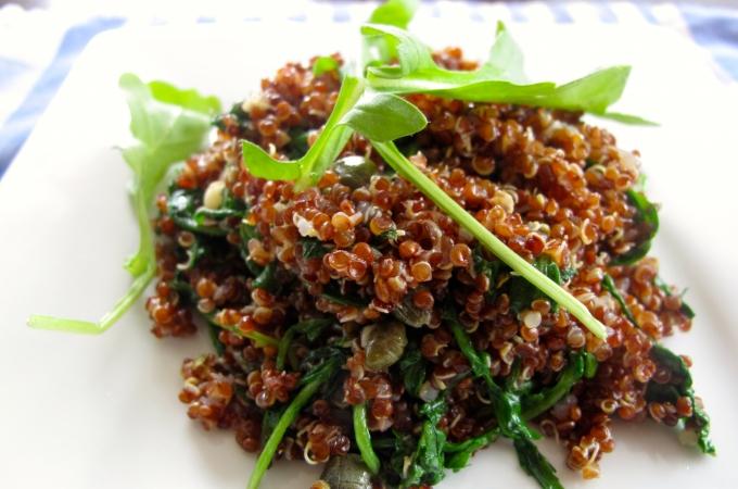 Quinoa, alcaparras y arúgula