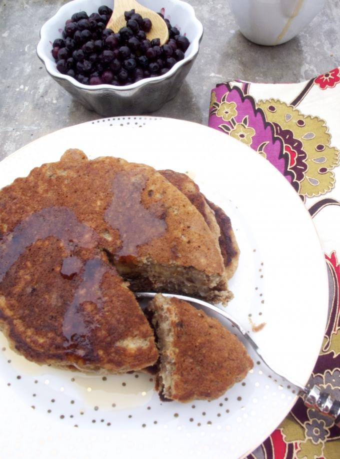 Hotcakes de platano y almendra.p&V