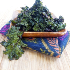 Kale and chipotle chips. Kale chips al horno con chipotle.