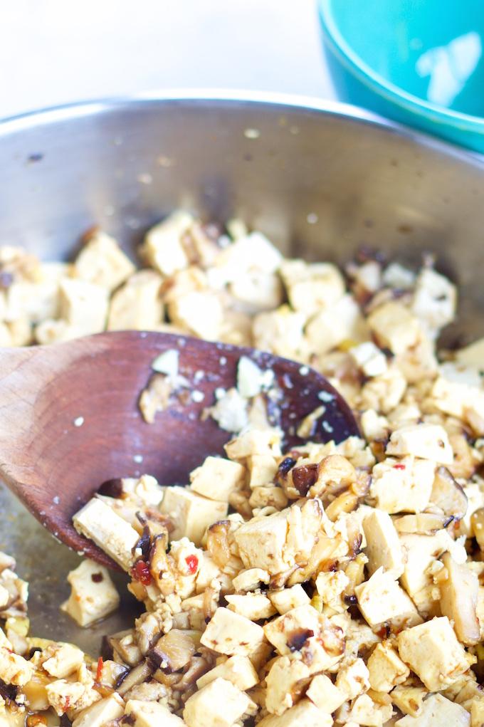Taquitos de lechuga chinos de tofu y shitake