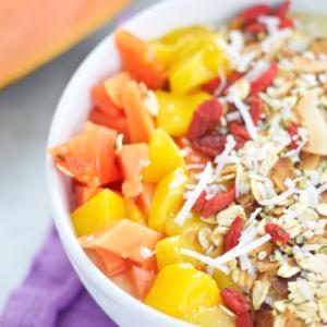 Smoothie bowl tropical