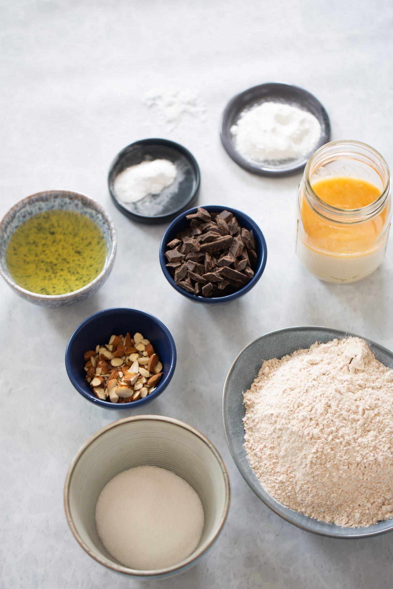 ingredientes para hacer pastelitos de chocolate y almendra