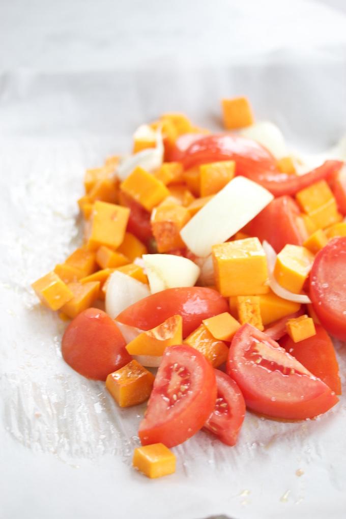 Pasta con tomate y butternut squash salsa