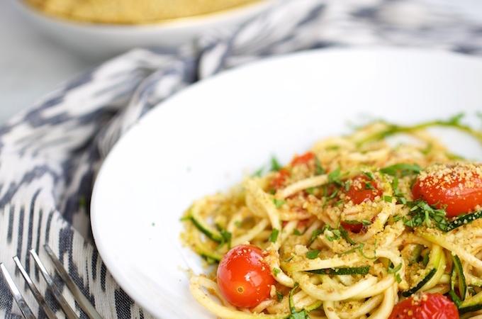 """Pasta de zucchini con tomates cherry y """"queso parmesano"""""""