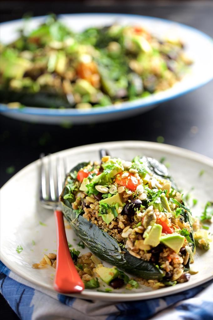 Chiles rellenos de Ensalada de quinoa