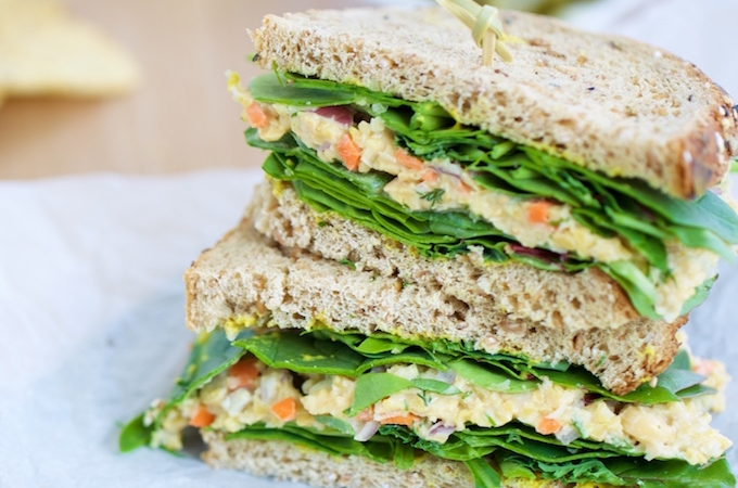 Ensalada de garbanzo para un sandwich perfecto