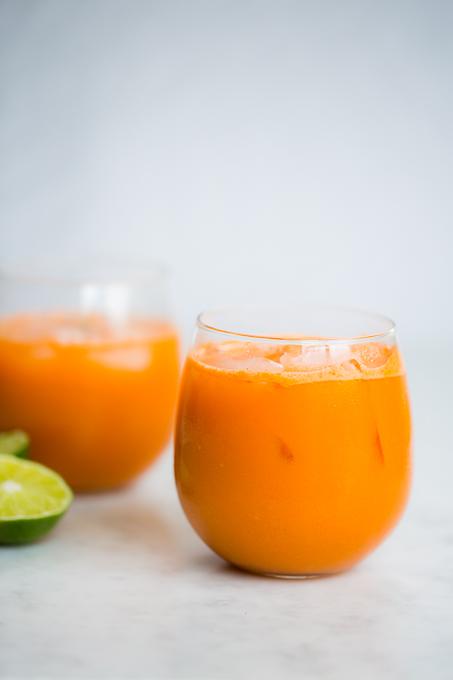 jugo de zanahoria, pepino y gengibre