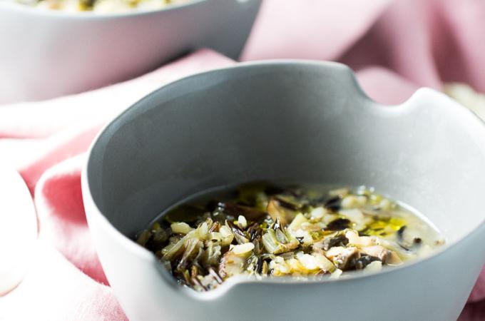 Sopa de invierno: poro, arroz y champiñones