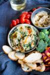 Dip de alcachofas y hojas verdes, vegan, vegano y perfecto para cualquier fiesta.