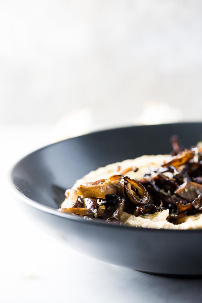 hummus con champiñones