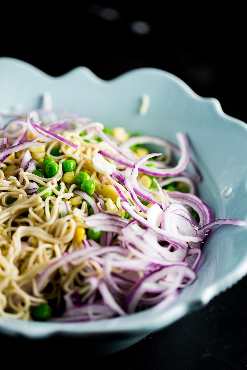 Receta de ensalada de noodles.