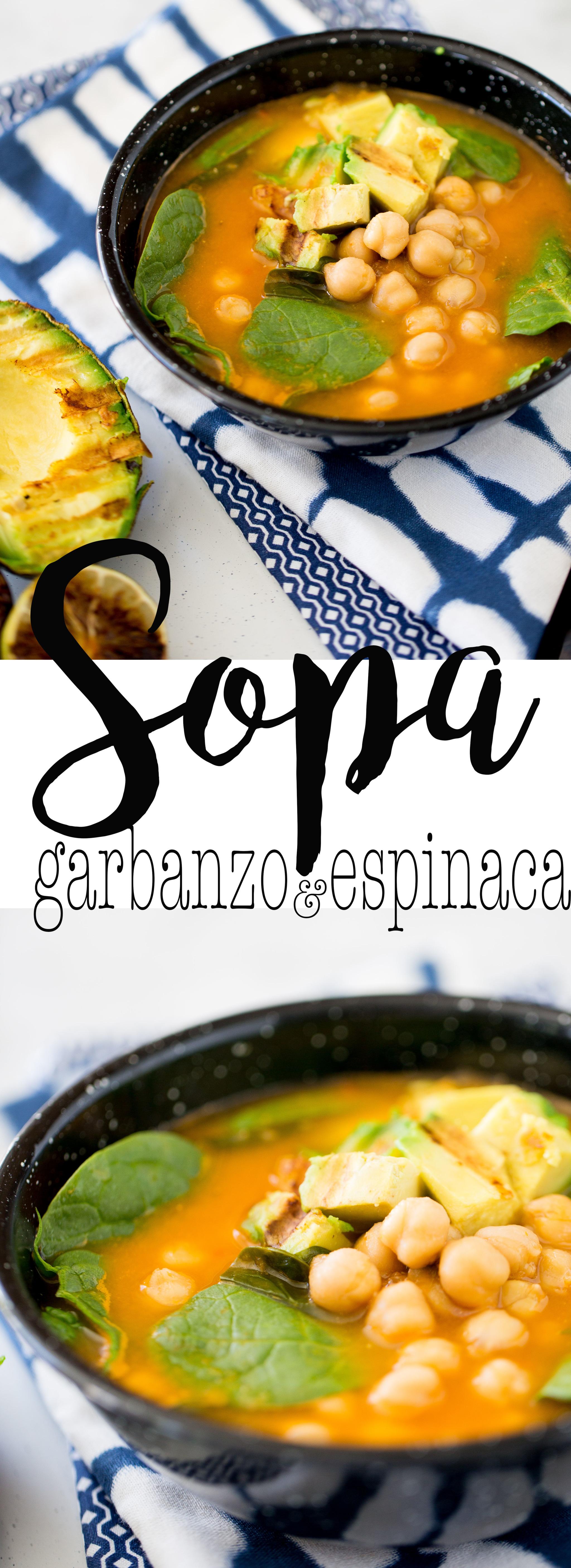 Esta receta de sopa con garbanzos y espinacas es lo más rica que puede haber. Es de las sopas que en la primera cucharada te hace sentir como en casa. #sopa, #recetavegana, #recetasaludable