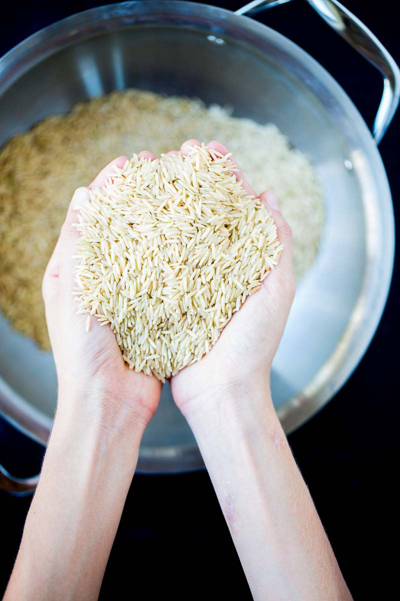 Como escoger los mejores granos de arroz integral.