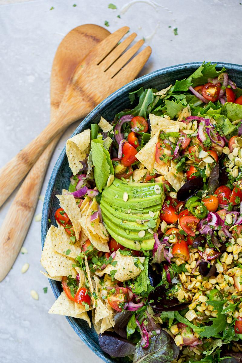 Receta de un taco hecho ensalada, receta vegana, deliciosa y super fácil de hacer.
