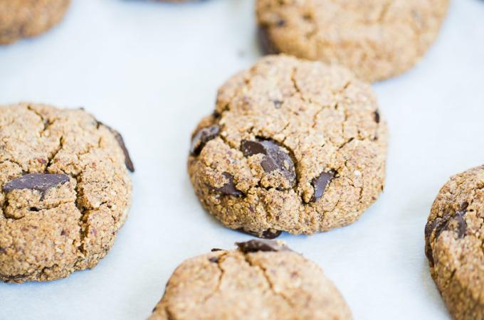 Las mejores galletas veganas + gluten free de almendra y chocolate