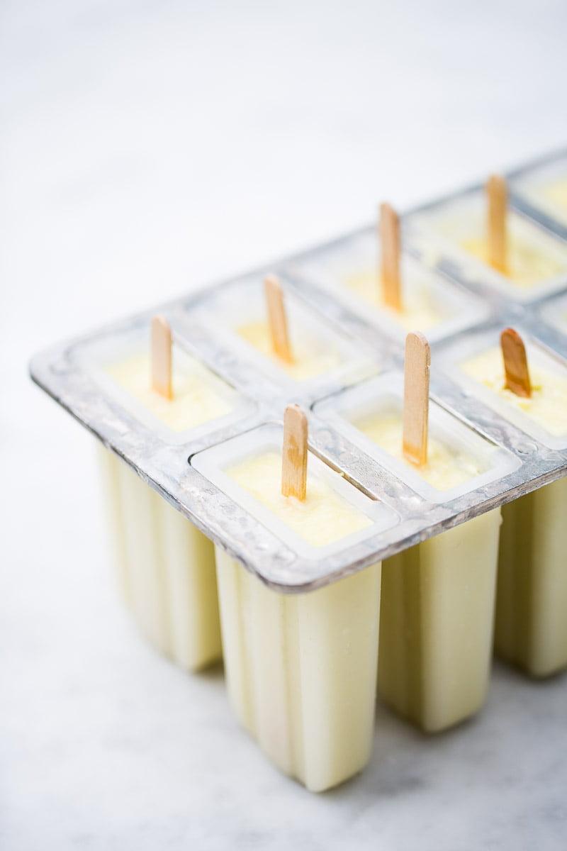 Receta de paletas heladas de aguacate y limón.