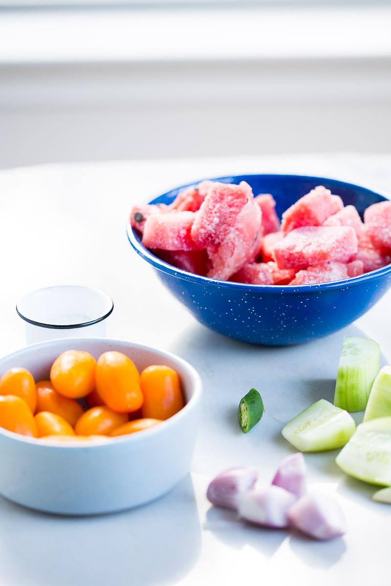 Receta para hacer sopa fría de sandía o gazpacho de sandía, receta super fácil, deliciosa y super nutritiva.