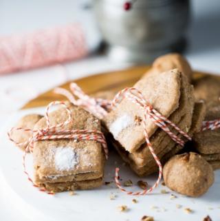 Pecan spelt one bowl Christmas cookies.