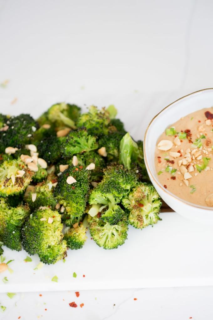 Receta de Brócoli asado con salsa de cacahuate