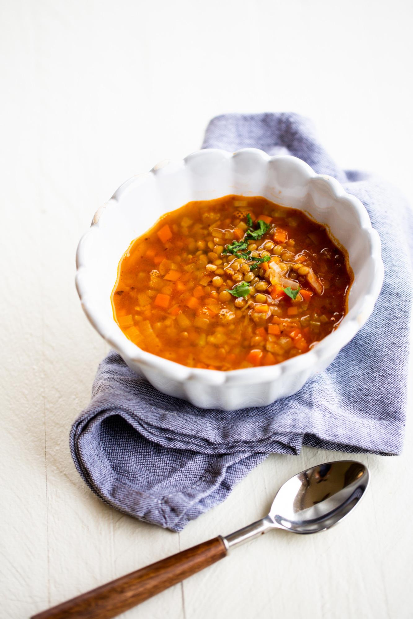 sopa de lentejas mexicanas