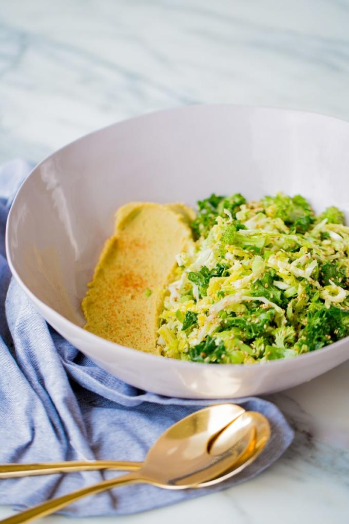 ensalada verde con hummus