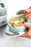 Sopa de verduras Pot-pie con costra de mijo y chia
