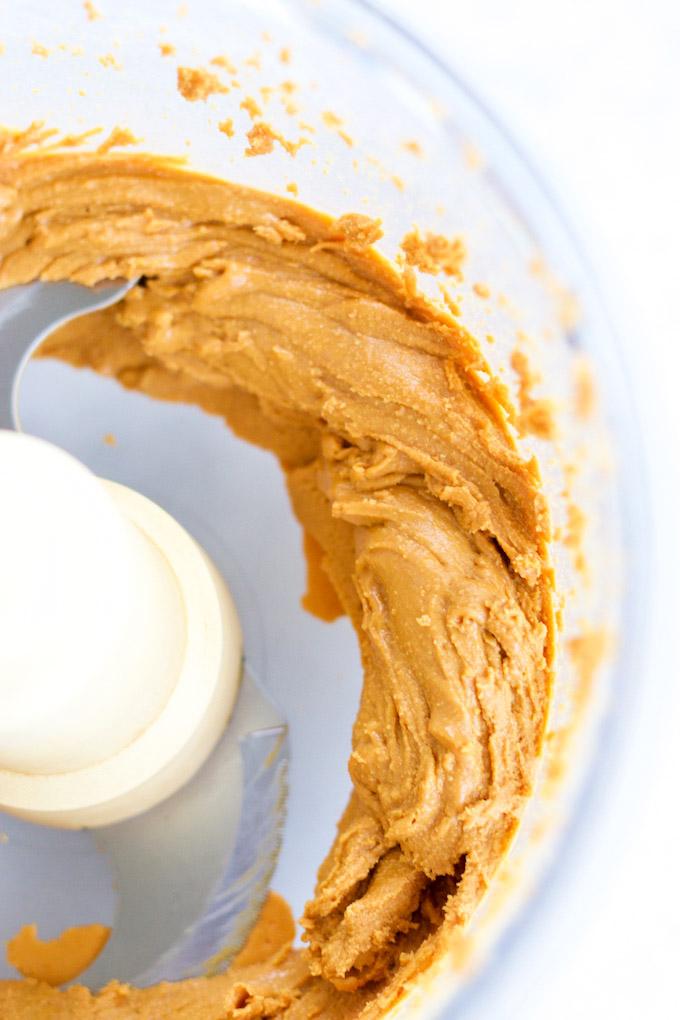 crema de cacahuate recién hecha