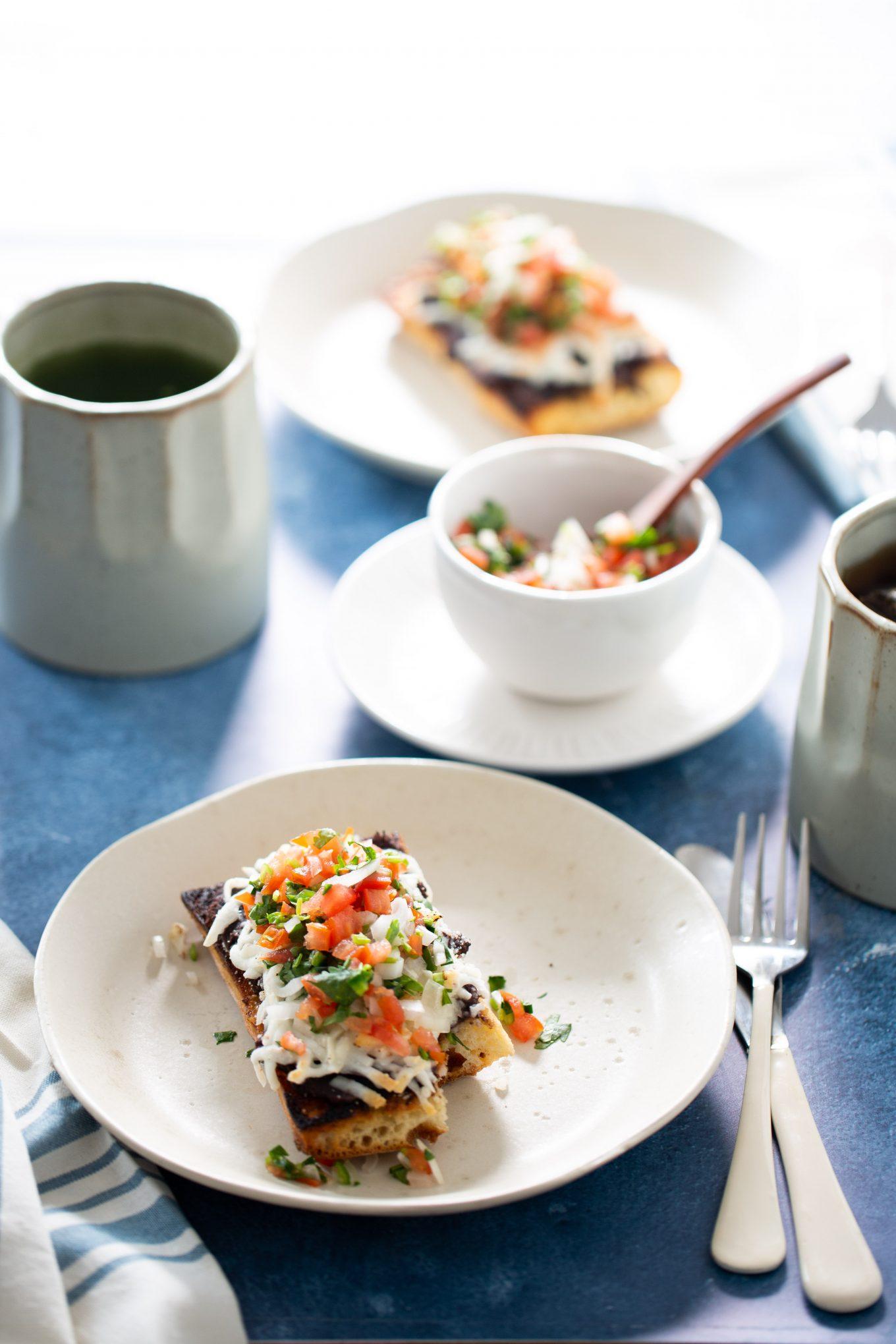 molletes de desayuno para dos